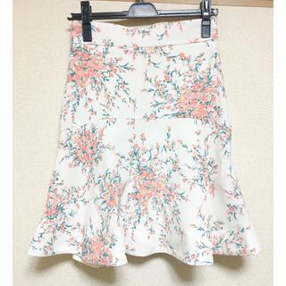 マーキュリーデュオ(MERCURYDUO)のマーキュリーデュオ スカート フラワー 花柄(ミニスカート)