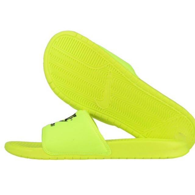 buy popular f5693 2d032 NIKE(ナイキ)の 新品 NIKE BENASSI JDI TXT SE レディースの靴