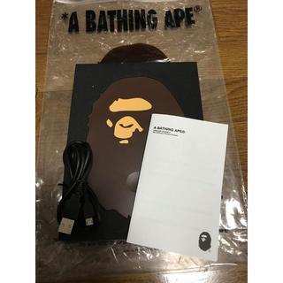 アベイシングエイプ(A BATHING APE)のA BATHING APE WIRELESS CHARGER 新品未使用 (バッテリー/充電器)