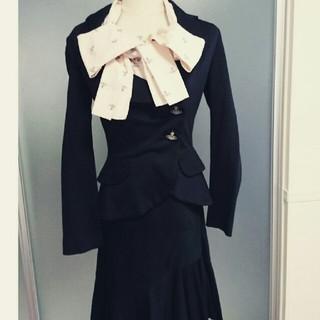 ヴィヴィアンウエストウッド(Vivienne Westwood)のヴィヴィアン ジャケット スカート セットアップ スーツ(スーツ)