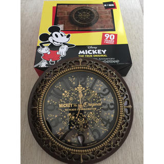 ディズニー(Disney)のMickey プレミアムレリーフウォールクロック90YEARS OF MAGIC(掛時計/柱時計)