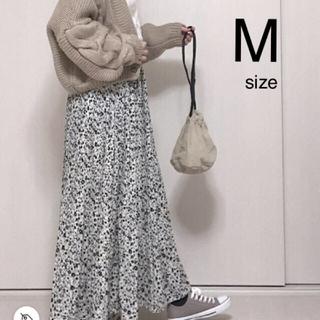 シマムラ(しまむら)の小花柄スカート(ロングスカート)