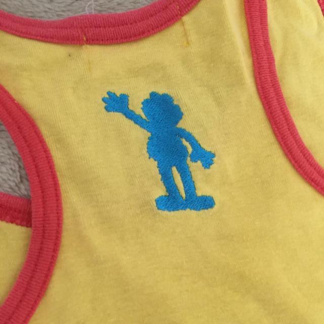 SESAMI CLUB(セサミクラブ)のエルモ刺繍タンクトップ レディースのトップス(タンクトップ)の商品写真
