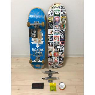 ズーヨーク(ZOO YORK)のスケートボードコンプリートデッキ おまけつき(スケートボード)
