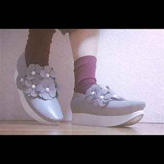 トーキョーボッパー(TOKYO BOPPER)の* 灰色 フラワー 厚底靴 シューズ TOKYO BOPPER *(その他)