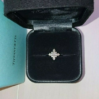 ティファニー(Tiffany & Co.)のティファニー ビクトリア ダイヤモンドリング(リング(指輪))