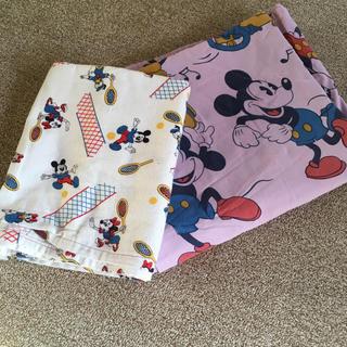 ディズニー(Disney)のミッキーマウスのビンテージシーツ 布 二枚セット(シーツ/カバー)