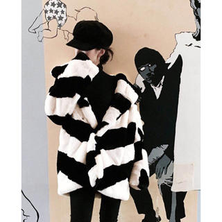 STRIPE FAUX FUR SHORT COAT ファーコート