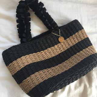 シマムラ(しまむら)のしまむら フリルハンドルかごバッグ カゴバッグ 未使用美品 (かごバッグ/ストローバッグ)