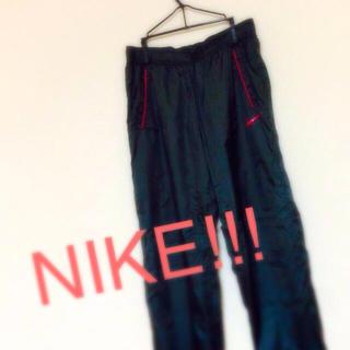 ナイキ(NIKE)のNIKE ウインドブレーカー(ワークパンツ/カーゴパンツ)
