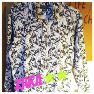 ザラ(ZARA)の❤✨引っ越し処分特価中っ❣️✨【未使用】ZARA❤メンズ木の葉柄 お洒落シャツ(シャツ)