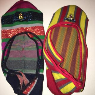 ヴィヴィアンウエストウッド(Vivienne Westwood)のvivienne westwood オーブ刺繍ソックス2足マルチカラーストライプ(ソックス)