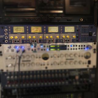 【FOCUSRITE 】ISA428 Pre Pack 4チャンネルマイクプリ(エフェクター)