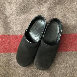 ダンスコ(dansko)のdansko  ダンスコ 37 スエード 黒(ローファー/革靴)