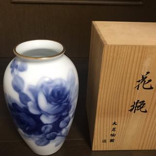 オオクラトウエン(大倉陶園)の大倉陶園ブルーローズ花瓶【新品未使用】(花瓶)