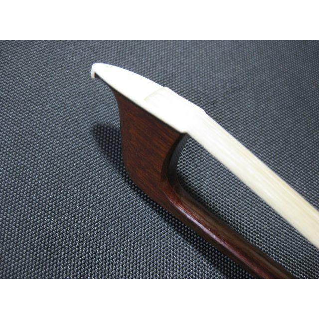 【新品未使用】工房製 チェロ弓 4/4 角弓 くじら巻線 楽器の弦楽器(チェロ)の商品写真