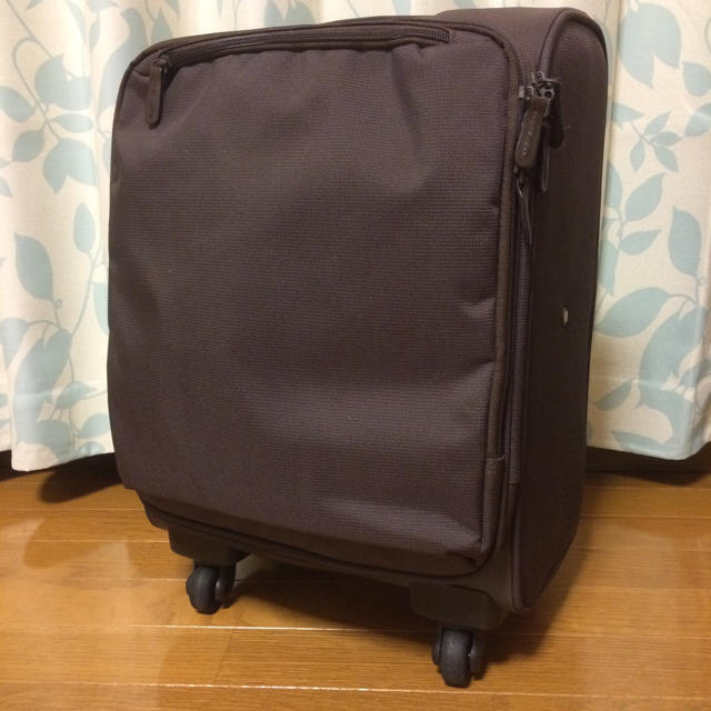 MUJI (無印良品)(ムジルシリョウヒン)の無印良品 四輪キャリーバッグ 小サイズ 中古 レディースのバッグ(スーツケース/キャリーバッグ)の商品写真