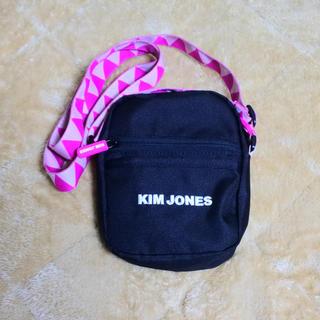 キムジョーンズ(KIM JONES)の最終値下げ【KIM JONES×GU】ショルダーバッグ(ショルダーバッグ)