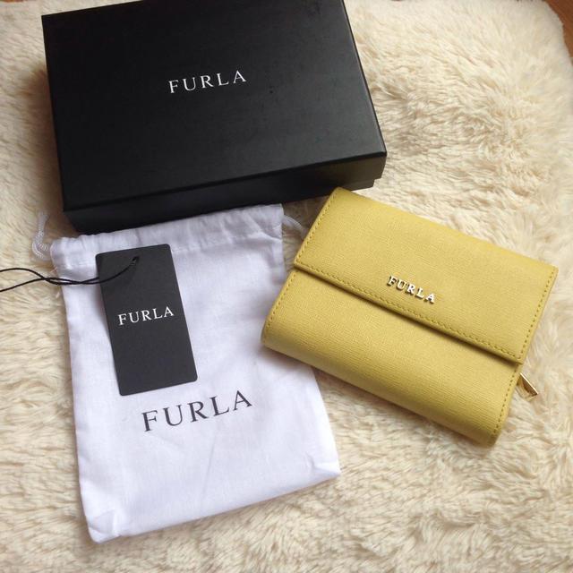 size 40 f01ab bf2ce 新品FURLA折りたたみ財布 | フリマアプリ ラクマ