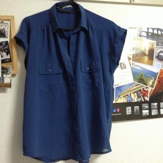 ジーユー(GU)の透け感あり!青シャツ(シャツ/ブラウス(半袖/袖なし))