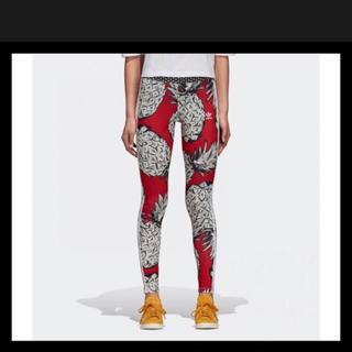 アディダス(adidas)のアディダスオリジナルス パイナップル柄 レギンス 新品タグ付き M S(レギンス/スパッツ)