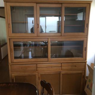 カリモクカグ(カリモク家具)のカリモク食器棚    20日までの出品(キッチン収納)