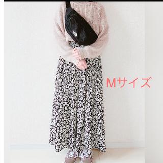 シマムラ(しまむら)のプチプラのあやさん着用☆しまむら☆小花柄プリーツスカート☆ケシプリーツスカート(ロングスカート)
