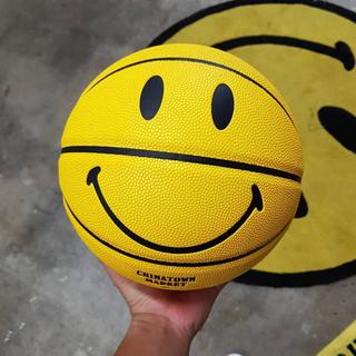 アーバンアウトフィッターズ(Urban Outfitters)の☆日本未発売 Chinatownmarket×smiley for UO☆(バスケットボール)