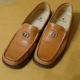 アイグナー(AIGNER)のAIGNER の靴(キャメルカラー)(ローファー/革靴)