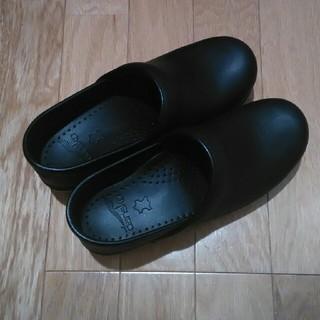 ダンスコ(dansko)のdansko ブラック 36(ローファー/革靴)