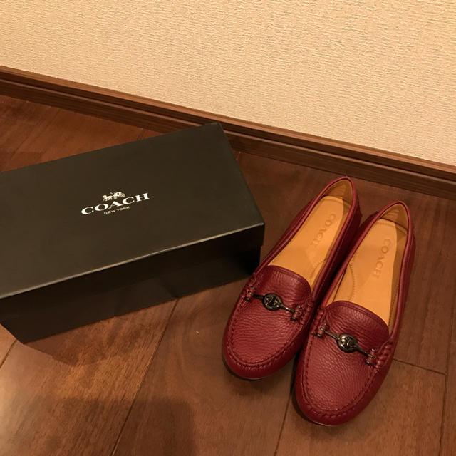 COACH(コーチ)の新品 COACH ワインレッド ドライビングシューズ 8M レディースの靴/シューズ(スリッポン/モカシン)の商品写真