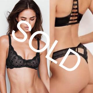 ヴィクトリアズシークレット(Victoria's Secret)の新品❤️ヴィクトリアシークレット レースブラ Tバックショーツ 黒 ブラック(ブラ&ショーツセット)