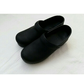 ダンスコ(dansko)のdansko ダンスコ プロフェッショナルオイルド ブラック 37(ローファー/革靴)