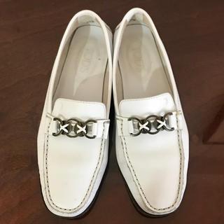 トッズ(TOD'S)のTOD'S トッズ  ローファー(ローファー/革靴)