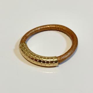 バイボー(by boe)のバイボー 指輪 12号 レザーバンドリング ゴールドカラー ブラウン K14GF(リング(指輪))