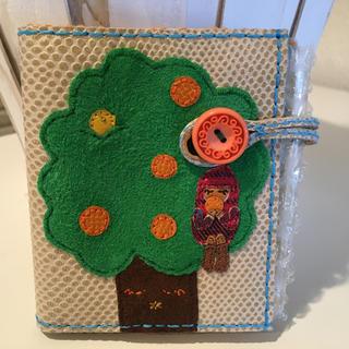 ミナペルホネン(mina perhonen)のハンドメイド 赤ずきんちゃん2つ折り財布(財布)