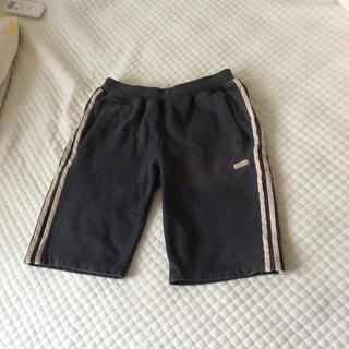 アディダス(adidas)のadidas 半ズボン (ハーフパンツ)