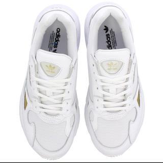 アディダス(adidas)のadidas アディダス アディダスファルコン ウィメンズ  22.5(スニーカー)
