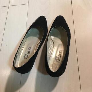 シャルルジョルダン(CHARLES JOURDAN)のスェード黒靴シンプル(ハイヒール/パンプス)