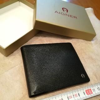 アイグナー(AIGNER)の✨AIGNERアイグナー 黒色メッシュ革の小銭入れ無し折財布シルバーロゴマーク♪(折り財布)