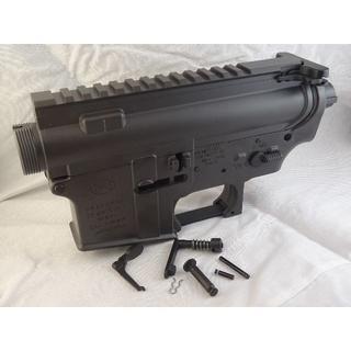 シーマ(CYMA)のCYMA M16A4刻印 M4/M16用メタルレシーバー グレー (電動ガン)
