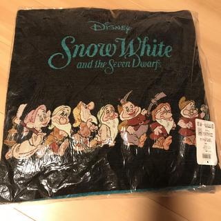 ディズニー(Disney)の【定価以下】白雪姫♡小人のクッションカバー(クッションカバー)