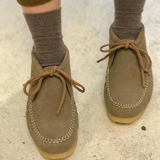 ダンスコ(dansko)のワラビー  スウェード  スエード  モカシン  革靴  38  24(ローファー/革靴)