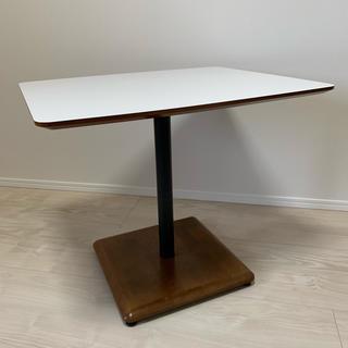 カリモクカグ(カリモク家具)の3月31日まで出品 カリモク60   カフェテーブル(ダイニングテーブル)