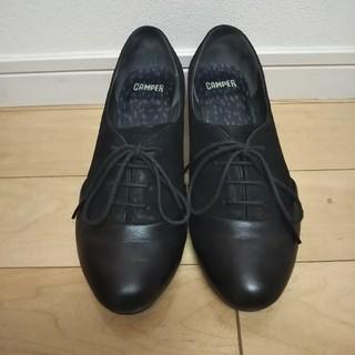 カンペール(CAMPER)のカンペール 黒 39(ローファー/革靴)