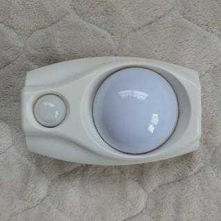エルパ(ELPA)のLEDセンサー付ライト コンセント差込タイプ ELPA PM-L200(W)(その他)