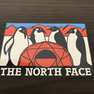 ザノースフェイス(THE NORTH FACE)の【縦6.5cm横9.8cm】THE NORTH FACE ステッカー ペンギン(ステッカー)