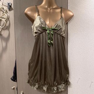 ナバーナ(NAVANA)の新品◆NAVANA*ゆるピタ裾ゴム入コクーン型♡サテンキャミソール♡カーキ(キャミソール)