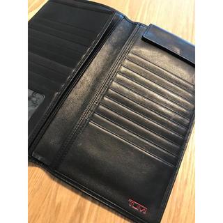 トゥミ(TUMI)のTUMI パスポートケース 黒(旅行用品)