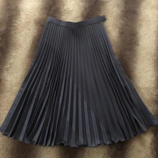 コース(KOOS)の美品(*Ü*)ノ  KOOS☆プリーツスカート(ひざ丈スカート)